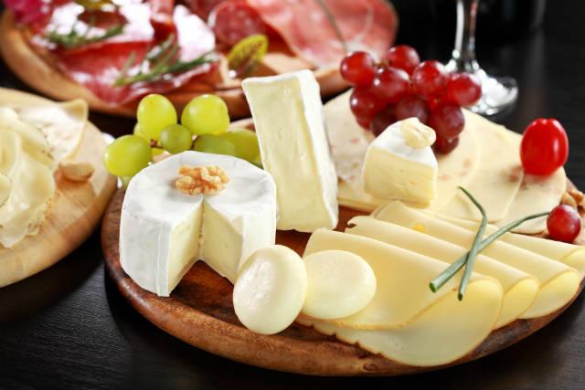 Produzir queijos renova vida de casal de empreendedores