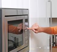 Empregada dom�stica - cuidados com o fog�o, a geladeira e o micro-ondas