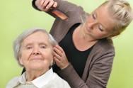 Cuidador de idosos - importância de se ter um ajudante na realização do trabalho