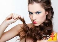 Para acelerar o crescimento dos cabelos aconselha-se uma dieta saudável.