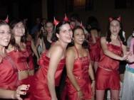 O carnaval, é uma festa cheia de música, desfiles, blocos, diversão e muita alegria.