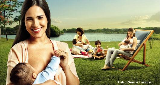 Mães amamentando seus filhos, tranquilamente, em locais públicos