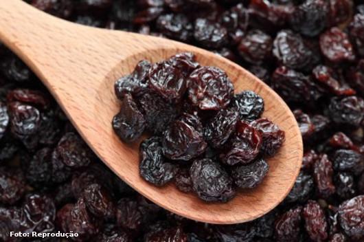 Benefícios da uva passa para a saúde