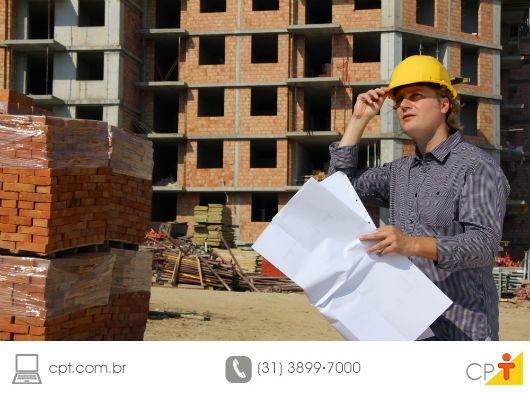 futuro comprador visitando um imóvel em construção