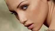 Quadrado, redondo, oval ou triangular. Qual � o formato do seu rosto?