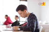 Trabalhar ou estudar: qual o caminho tomado pelos jovens brasileiros?