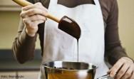 Como temperar chocolate: aprenda e faça deliciosos ovos de páscoa