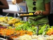 Alguns alimentos transmitem doenças? Sim, a DTA. Confira!