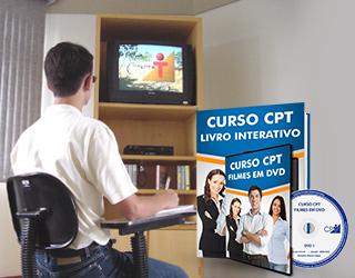 Aluno estudando um filme do Curso CPT