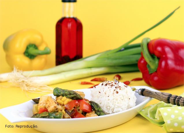 Viaje na rica, saborosa e exótica gastronomia mundial