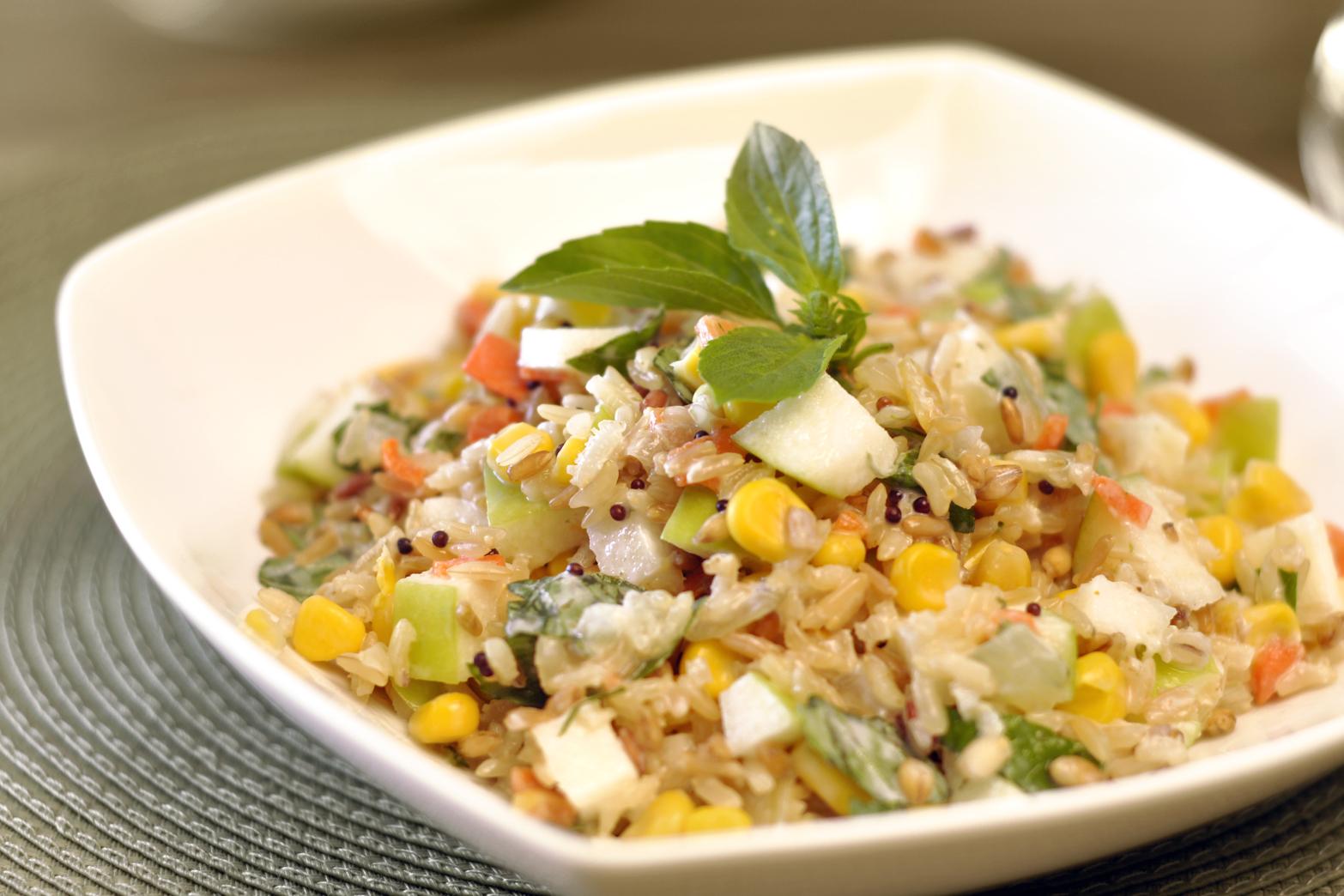 Salada de arroz 7 grãos - aprenda a fazer   Artigos Cursos CPT   Foto: Reprodução