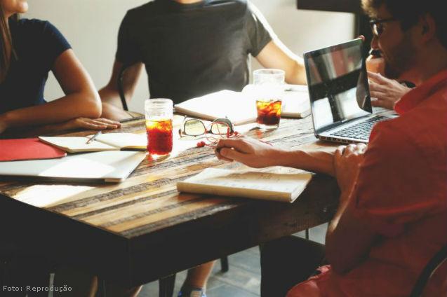 Realização de Eventos: comissões de trabalho   Artigos Cursos CPT