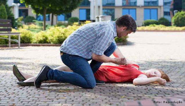 Diante de uma convulsão epilética, o que fazer?   Dicas Cursos CPT