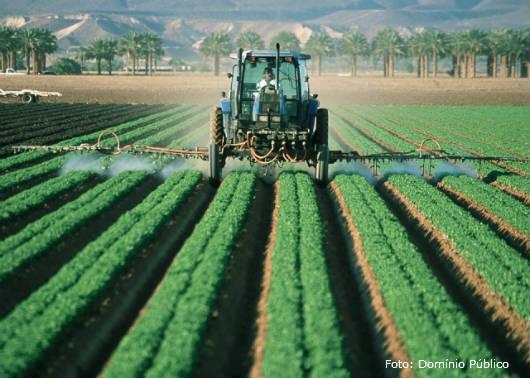 Defensivos agrícolas - principais erros na aplicação