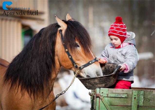 Cavalo comendo