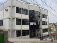 O CPT - Centro de Produções Técnicas -  empresa que difunde tecnologia por meio de cursos constituídos de livros interativos e filmes, em DVD.