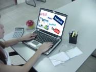 Vários problemas surgiram com o mau uso da internet no ambiente de trabalho.