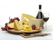 Queijos finos e mofados - Camembert, Gorgonzola, Morbier e Saint - Paulin