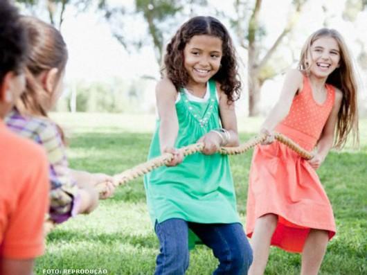 As crianças vivem cada minuto de suas vidas sem perceber os riscos que estão a sua volta e é aí que acontecem os acidentes