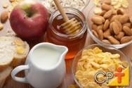 Ervas e Temperos: vitamina com mel, banana e canela