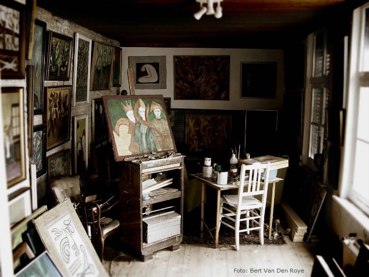 Monte um atelier de pintura em casa