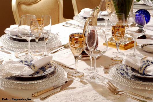 Louças, copos e talheres: como montar a mesa? - Artigos Emprego e Renda