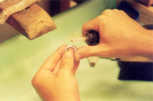 e07a37a86be Fabricação e reparo de joias