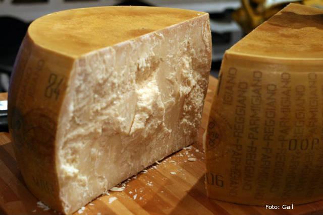 Tradição italiana na fabricação de queijo parmesão brasileiro