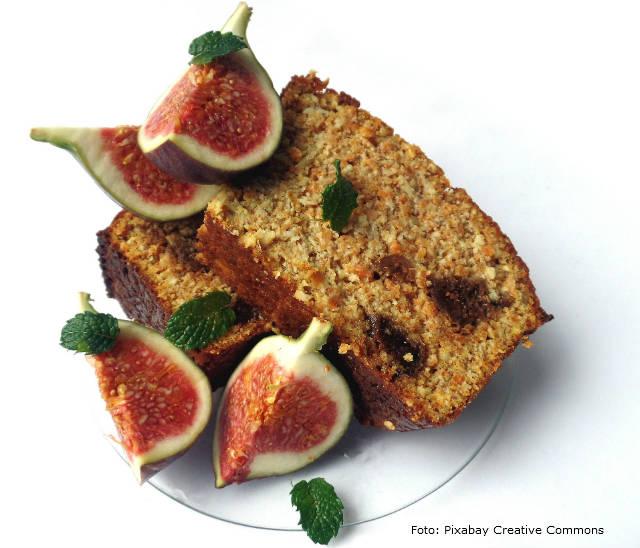 Receita de bolo de aveia com mascavo e frutas secas