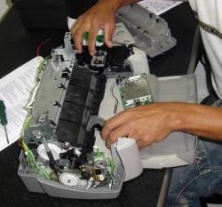 Como fazer a manutenção de impressoras a laser