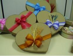 Curso Como Confeccionar Caixas para Presentes - Confecção das Caixas