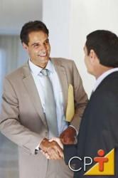 elabore o seu plano estratégico descrevendo seus objetivos empresariais, tentando prever situações e cenários