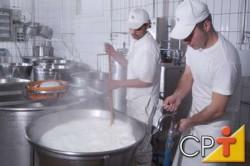 A fervura permite verificar rapidamente se o leite está ácido ou não