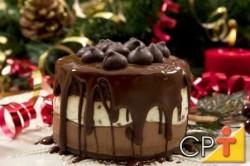 Aprenda a fazer cobertura para bolo redondo