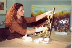 Os metais mais acessíveis e propícios para a pintura são o ferro e o metalon