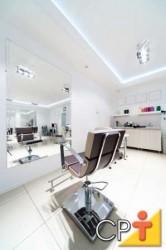 Paredes e móveis devem ter cor clara, para garantir uma boa harmonia e higiene do local de trabalho