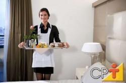 O número de camareiras será de acordo com o quantitativo de apartamentos/chalés que o hotel fazenda contar
