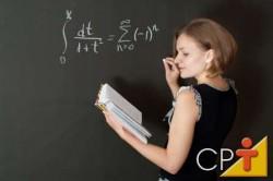 Para ser inovador e criativo, no decorrer de sua carreira, o professor deve passar por uma atualização e estudos contínuos