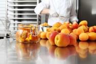 Doces de fruta em barra - fases do processamento