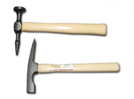 Marcenaria - o repuxo e os tipos de martelo utilizados na fabricação de móveis