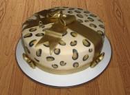 Como decorar bolos - bolo com pintinhas de onça