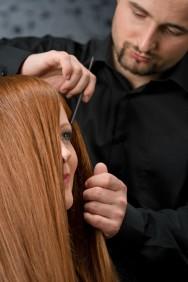 Todas as pessoas devem fazer o teste alérgico (no verso da embalagem) antes de aplicar a tintura nos cabelos