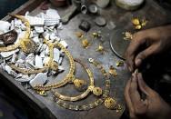 A história da joalheria no progresso da civilização humana vem demonstrando o trabalho, as técnicas, a criatividade e o talento de sucessivas gerações de artesãos.