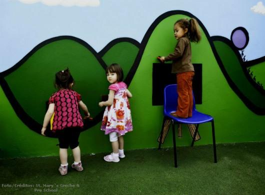 Administração de Creche - brincar é a principal atividade da criança na creche. Foto/Crédito: St. Mary`s Creche & Pro School