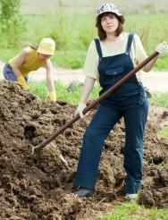 A compostagem orgânica integra recursos, reduz custos e melhora o rendimento produtivo