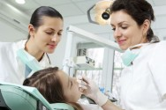 Como exercer a profissão de auxiliar de saúde bucal com ética e boa apresentação pessoal