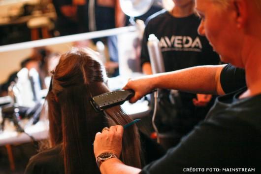 Penteados - como fazer escova e chapinha nos cabelos