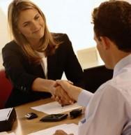 Um dos segredos para obter sucesso no atendimento é estabelecer um relacionamento com seus clientes.