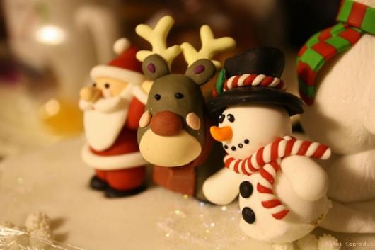 Decoração de bolos - como fazer boneco de neve com pasta americana