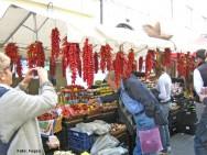 O uso da pimenta é muito explorado na culinária de diversos países, por temperar e dar sabor aos alimentos.
